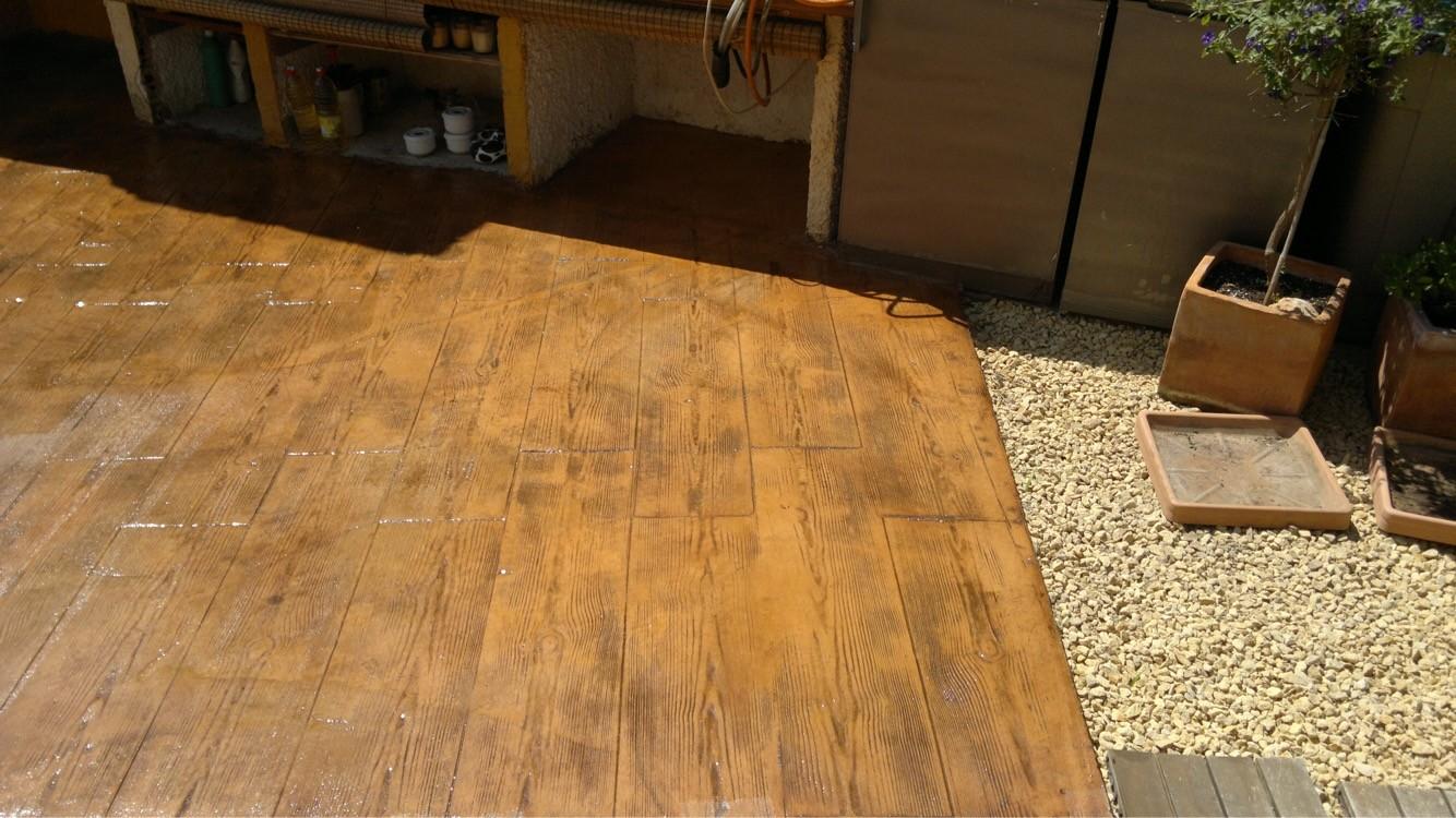 Hormigón impreso efecto madera parquet en Calpe