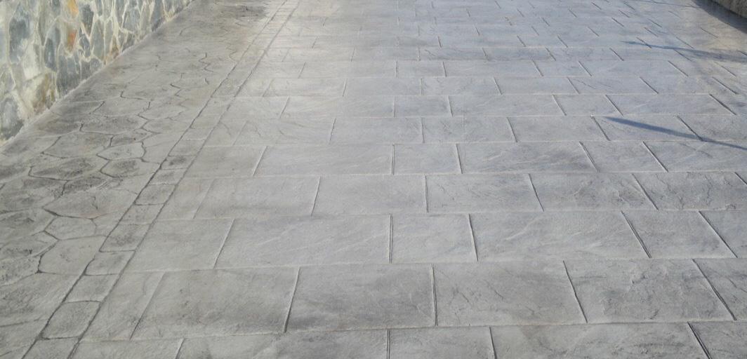 Pavimento decorativo hormigón gris